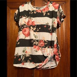 acting pro Tops - Floral top with side knot